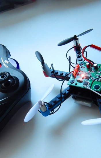 Build your own drone, © Copyright/Ralph Kamp