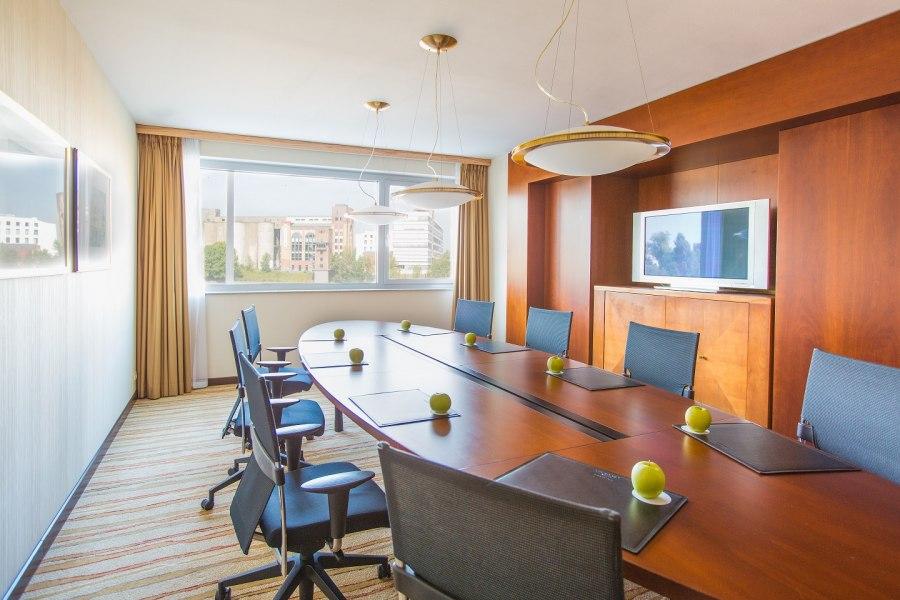 Boardroom, © Copyright/Courtyard by Marriott Düsseldorf Hafen