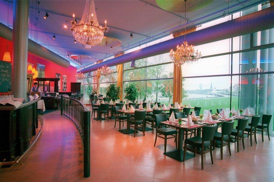 Roncallis Apollo Varietè: Restaurant, © Copypright/Roncalli´s Apollo Varieté