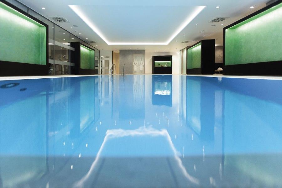 Pool, © Copyright/Radisson Blu Scandinavia Hotel Düsseldorf
