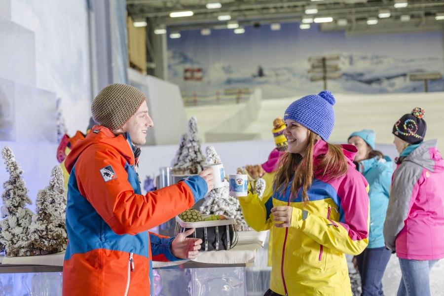 Eisbar in der Skihalle, © Copyright/Alpenpark Neuss