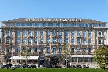 Hotel Frontalansicht, © Copyright/Steigenberger Parkhotel