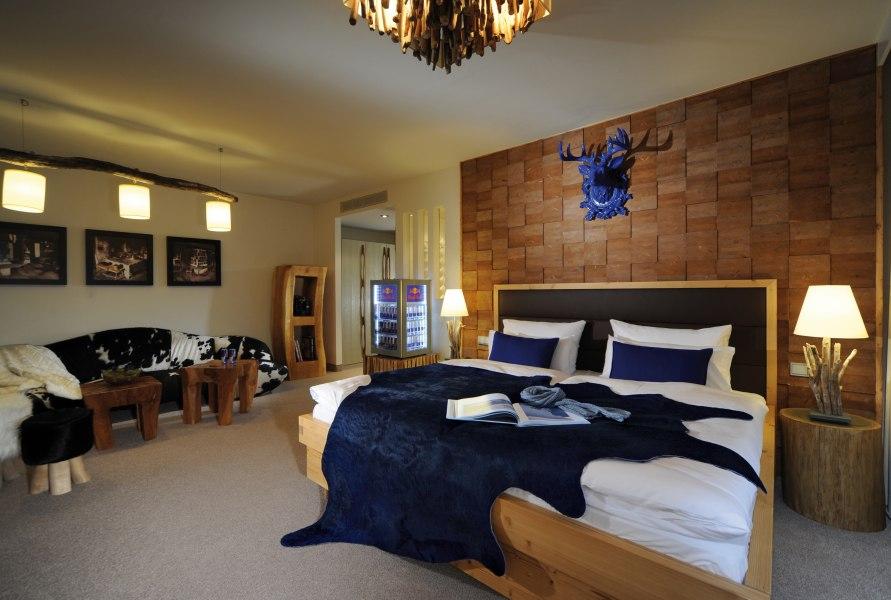 "Guestroom ""Alpenart"", © @ Copyright/Hotel Fire & Ice im Alpenpark Neuss"