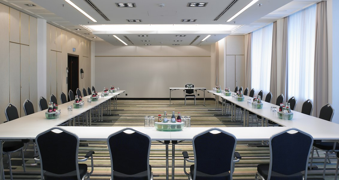 Conference room u-shape, © Copyright/Crowne Plaza Düsseldorf-Neuss